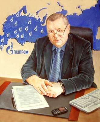 Портрет мужчины за рабочим столом