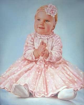 Портрет ребёнка в розовом
