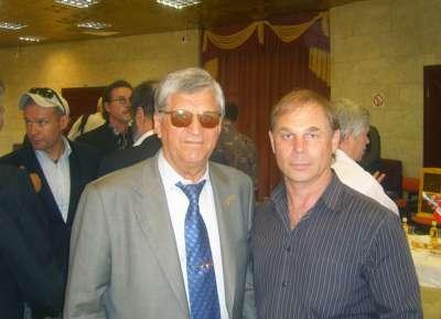 Четырёхкратный олимпийский чемпион по биатлону Александр Тихонов и художник Яков Пульнов.